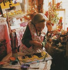 Maud Lewis at work. Photograph by Bob Brooks from The Illuminated Life of Maud Lewis 'Evertt's Painting and Murder' New Movies Out, In And Out Movie, Primitive Painting, Primitive Folk Art, Primitive Stitchery, Primitive Patterns, Primitive Snowmen, Primitive Crafts, Primitive Christmas