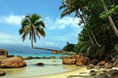 Isla Grande o Ilha Grande, es conocida como el Caribe Brasilero, famosa por su playa Lopes Mendes, considerada una de las más atractivas del litoral Brasileño. Fue una isla presidio hasta 1994, por lo que turísticamente es un destino relativamente nuevo. En la isla no hay automóviles ni transporte terrestre a motor, sólo está permitido andar a pie o en bicicleta. #Brasil #Turismo