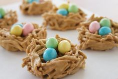 Crunchy Peanut Butter Nests: 1 cups butterscotch chips cup natural peanut butter 2 cups Kashi Go Lean cereal Holiday Treats, Holiday Recipes, Holiday Fun, Festive, Holiday Decor, Haystacks Recipe, Sprinkles, Chocolate Marshmallows, Peanut Butter