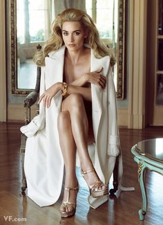 Such a Glam look! Kate Winslet photographed by Steven Meisel for Vanity Fair. Kate Winslet, Vanity Fair, Boudoir Photography, Fashion Photography, Wedding Fotos, Annie Leibovitz Photography, Boho Vintage, Lady, Actrices Hollywood