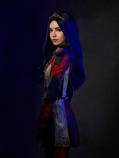 Sofia Carson says emotional goodbye to 'Descendants' franchise Sofia Carson put her heart on the line in an emotional goodbye to her 'Descendants' film family and Cameron Boyce as the final installment premiered. The Descendants, Descendants Characters, Cameron Boyce Descendants, Disney Stars, Disney Channel Stars, Film D'animation, Film Serie, Street Style Photography, Sophia Carson