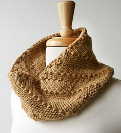 Easy cowl, stepped knits and perls.
