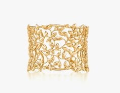 the detail on this cuff is gorgeous. via Cape Cod Collegiate