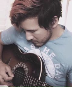 Markiplier <<< omg this pic of Mark is too cute o//o