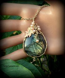 Labradorite with Pearls Wire wrapped Pendant neckl
