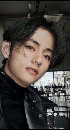 Foto Bts, Foto Jungkook, Bts Bangtan Boy, Daegu, V Smile, V Bts Wallpaper, Vkook, Kim Taehyung, Bts Aesthetic Pictures