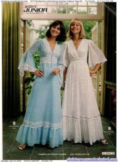 70s Inspired Fashion, 70s Fashion, Couture Fashion, Vintage Fashion, Vintage Style Dresses, Vintage Outfits, 1970s Clothing, Retro Mode, Christmas Catalogs