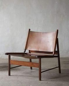 Quiet Studios : Quiet Objects - Leather wood chair. Sit back, relax.