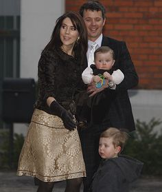 Crown Prince Friedrich & Princess Mary with two of their children