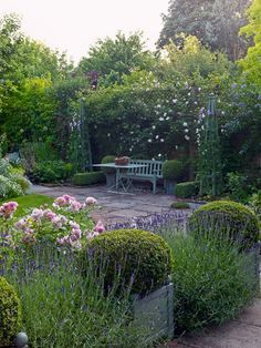 If you have a beautiful garden where you enjoy your evening tea and relax while enjoying sun during winters, then you are a lucky person. One thing that is very important to enjoy good time is nice seating place.