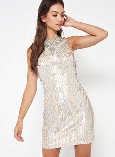 5867c3d49a9d Premium Robe chinoise ornée de sequins argentés - Miss Selfridge Robe  Chinoise, Robe De Soirée