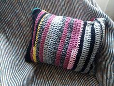 #Almofada #Crochet 45x35cm lado 2