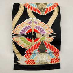 Black and gold, silk fukuro obi / 和ならではの色使いで雅やかな古典柄を施した袋帯 http://www.rakuten.co.jp/aiyama #Kimono #Japan #aiyamamotoya