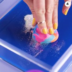 Ideas About DIY Life Hacks & Crafts 2018 : Pet hair? No problem. Gone. These cleaning hacks will put an end to your most hated messes! Pot Mason Diy, Mason Jar Crafts, Simple Life Hacks, Useful Life Hacks, 1000 Life Hacks, House Cleaning Tips, Cleaning Hacks, Deep Cleaning, Kitchen Cleaning