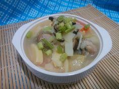 每逢竹筍盛產季節,都會將竹筍煮熟,等待涼了之後再分裝冷藏,一般可以保存一個星期不會壞掉。而這些已經煮熟的竹筍最常見到的料理方法除了炒,不然就是加點調味料、...