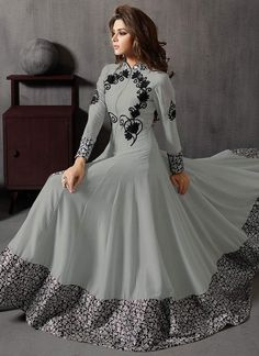 Pakistani latest Anarkali dress designs 2020 are ready in the market. You can find many varieties of sarees here including Anarkali Frocks Design, Party Wear Anarkali Suits and Indian Gowns Dresses, Indian Fashion Dresses, Indian Designer Outfits, Pakistani Dresses, Indian Outfits, Designer Anarkali Dresses, Designer Gowns, Kurti Designs Party Wear, Lehenga Designs