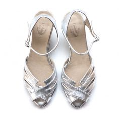 Silver sandals. The perfect wedding shoes!