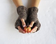 Crochet fingerless gloves autumn accessorie woodland by Leooni