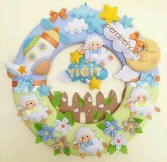 Felt Wreath, Felt Garland, Felt Crafts, Diy And Crafts, Crafts For Kids, Felt Fabric, Fabric Dolls, Felt Banner, Fancy Letters