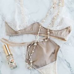 What to wear on weekends? Pearls, perfume and pretty lingerie! Satin Bra, Lace Bra, Pretty Lingerie, What To Wear, Vintage Fashion, Perfume, Pearls, Cute, Lace Playsuit