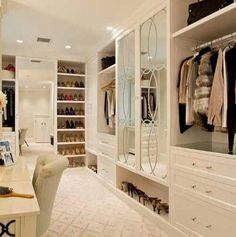 Walk-in closet~