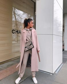 61 super classy & trendy autumn street style outfits to wear this year 2019 1 Mode Outfits, Casual Outfits, Fashion Outfits, Womens Fashion, Fashion Trends, Outfit Essentials, Fall Winter Outfits, Autumn Winter Fashion, Fashion Journalism