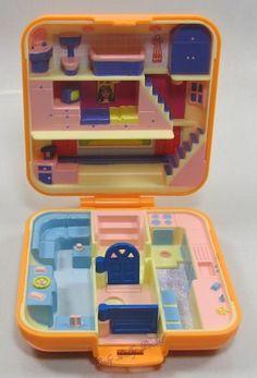 1989 Vintage Polly Pocket Polly's Town House Bluebird Toys (35842)