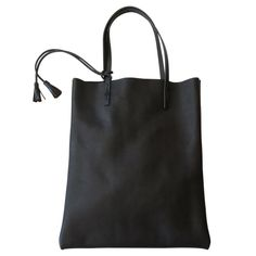 simple and soft black market tote made from glove tan leather spring finn and co made in america