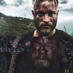 First and last look of Ragnar Lothbrok ~ Fucking 2016. I hope this year is better. #vikings #historyvikings