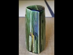 Oribe florero-escultura por Kato Yasukage XIV | Robert Yellin Yakimono Galería