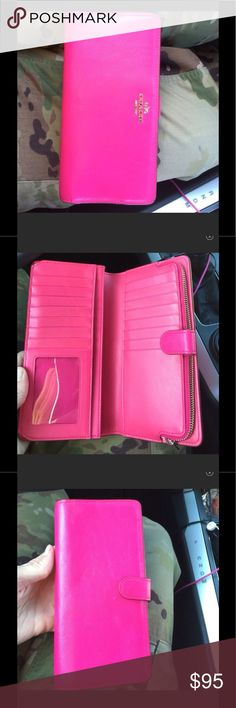 Hot pink coach wallet Excellent condition only used for a few months. Loved it because of all the card slots! Coach Bags Wallets