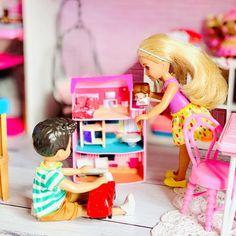 Barbie Doll Car, Barbie Chelsea Doll, Barbie Room, Barbie Sets, Barbie Life, Barbie World, Barbie Clothes, Juste Zoe, American Girl Doll Sets
