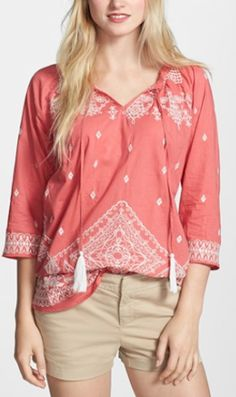 embroidered peasant tunic http://rstyle.me/n/nsev9r9te