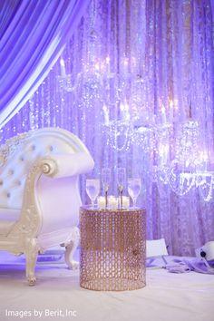 Indian wedding reception decor http://www.maharaniweddings.com/gallery/photo/93483 @ElegantAffairs1 @svbc @pin/73605775129324047 @imagesbyberit