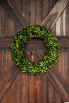 "24"" Preserved Boxwood Wreath"