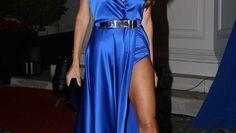 Famosos y glamour en la gala de Hola! teñida de azul