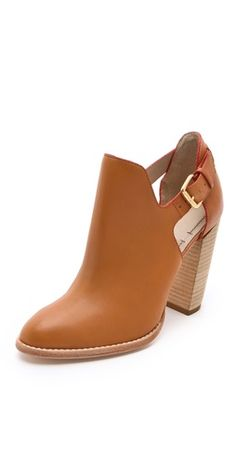 Elizabeth and James Suri Cutout Booties love this boots Bootie Boots, Shoe Boots, Shoes Heels, Shoe Bag, Ankle Boots, Cute Shoes, Me Too Shoes, Look Fashion, Fashion Shoes