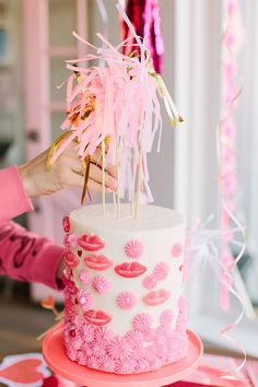 Party Planning: A Red & Pink Lip-Themed Galentine's Get Together (Lauren Conrad) Valentines Day Weddings, Valentines Day Party, Party Decoration, Valentine Decorations, Girl Birthday, Birthday Parties, Festa Party, Party Party, Valentine Cake