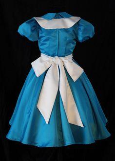 Classic Alice in Wonderland Custom Costume Costume Alice, Halloween Bride Costumes, Alice Halloween, Alice Cosplay, Blue Costumes, Cosplay Costumes, Alice In Wonderland Costume, Maid Dress, Fantasy Dress