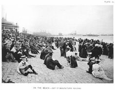 """Crowds gather on the lake shore, just east of the Manufactures Building in Jackson Park, Columbian Exposition, Chicago. The """"fake"""" USS Illinois can be seen to the north. Chicago History Museum, Art Institute Of Chicago, World's Columbian Exposition, Exposition Photo, German Village, Chicago River, Chicago Photos, Chicago Photography, White City"""