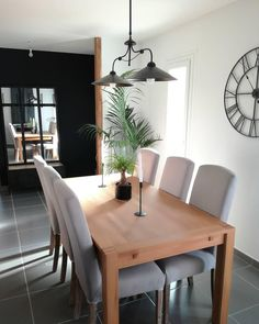 Schlichtes Aber Dennoch Modernes Design! // Esszimmer Esstisch Stühle  Dekoration Ideen Leuchte Einrichten #EsszimmerIdeen @florine_mg