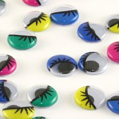 Add some fun to your projects with these multi-coloured googly eyes. Great for all kinds of craft!