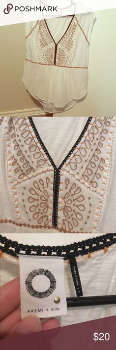 Anthropologist Akemi + Kin Top White blouse with cute embroidery, very flowy and cute for summer! Anthropologie Tops Blouses