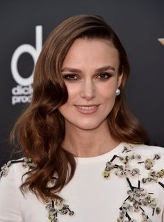 Keira Knightley -  wavy tresses, smoky eyes and a shimmering coral pout @ the Annual Hollywood Film Awards 2014