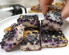Áfonyás túrós zabsüti | Peak girl Cheesecake, Snacks, Cookies, Healthy, Food, Kitchens, Recipes, Crack Crackers, Cheesecakes