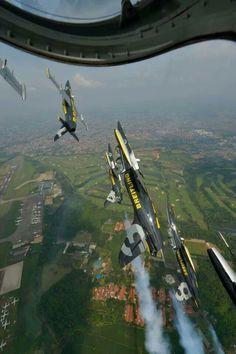 Upper!! Breitling Jet Team