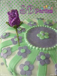 Torta realizada para el cumple de Eli bien femenina y delicada!!!!