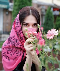Image in flowers 🌹🌺 collection by ‍princess Rose Cute Girl Photo, Girl Photo Poses, Girl Poses, Iranian Beauty, Muslim Beauty, Stylish Girls Photos, Stylish Girl Pic, Hijabi Girl, Girl Hijab