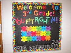 This section includes fun Back to school bulletin board, color posters. Visit Bulletin board, for additional resources. Puzzle Bulletin Boards, Welcome Bulletin Boards, Kindergarten Bulletin Boards, Bulletin Board Borders, 3rd Grade Classroom, Classroom Bulletin Boards, Classroom Themes, Puzzle Board, Seasonal Classrooms
