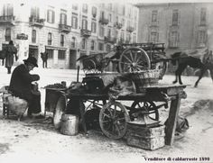venditore caldarroste 1930